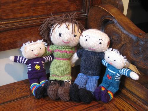 knitted family dolls