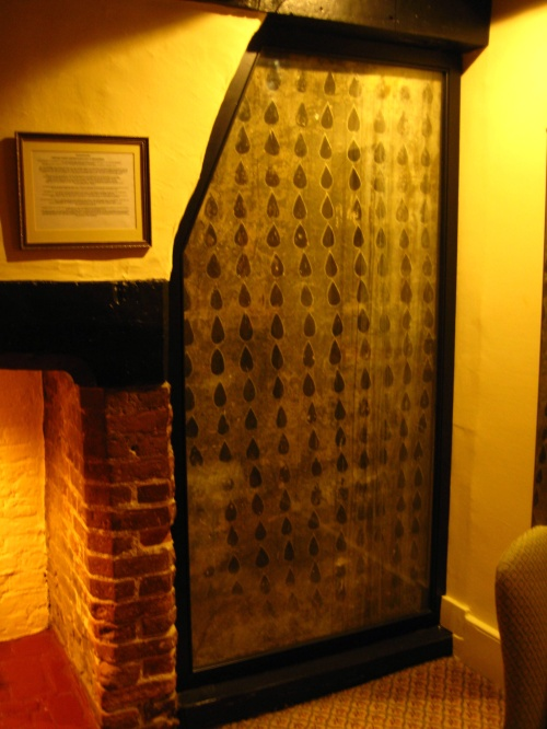 Tear-drop room at the George Hotel