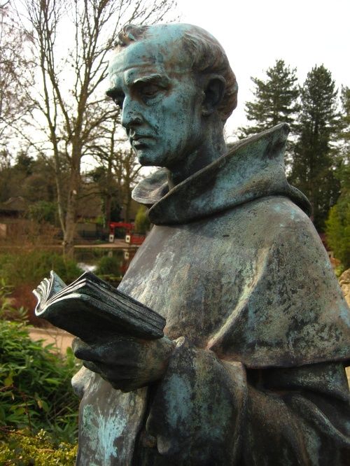 Grumpy but literate statue