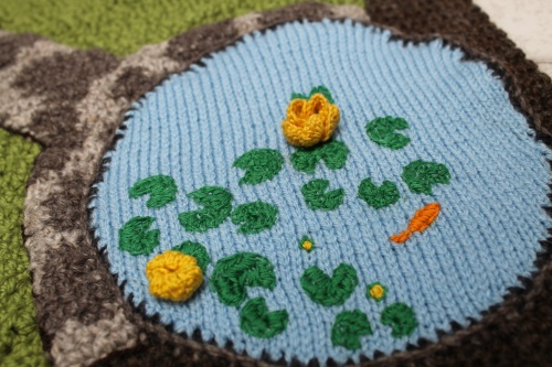 knitted circle. the twisted yarn blog